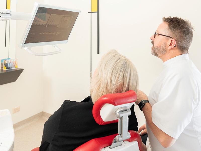 cosmetic dentist dental implants in Hobart